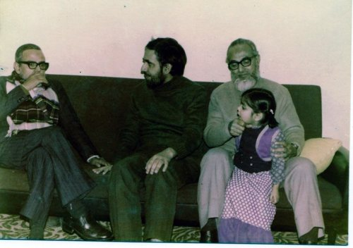 Seated with two of his brothers, Dr Ghulam Muazzam (far left) and Dr Mahdi Uzzaman (Centre), and his niece.